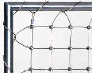 Wire net fastening with wrapped steel cable